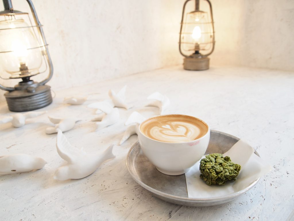 Caffeine86 Great Coffee And Splendid Cafes Are Essential For A Picco Latte Matcha Green Tea Can Walden Blend Flavor Flake Chocolate Covered Cornflakes